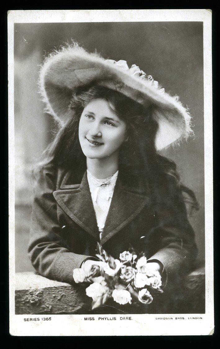 Watch Giulietta Masina (1921?994) video